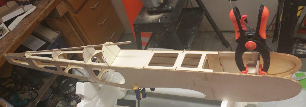 Headrest, F4-T, F5-T Installed
